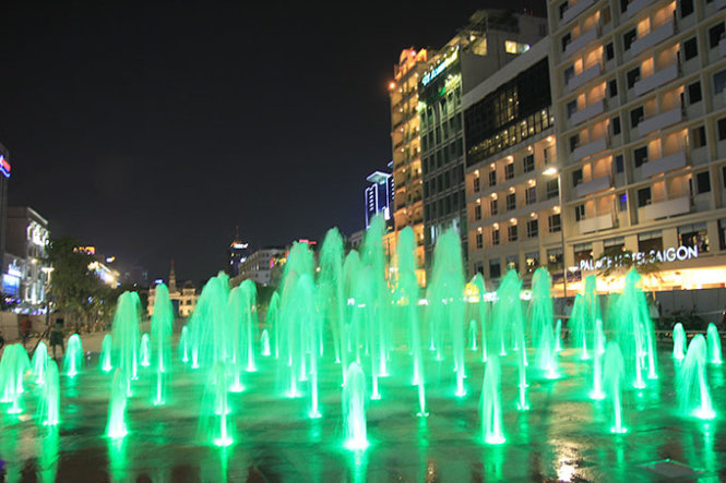 Lung linh nhạc nước trên phố đi bộ Nguyễn Huệ