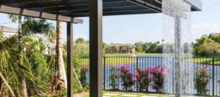 Màn nước đẹp trang trí nhà cửa sân vườn bể bơi
